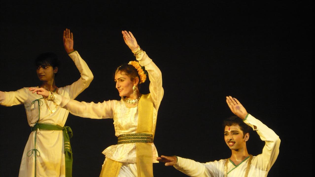 Foto 2 di Lisa Pellegrini durante la Danza Kathak