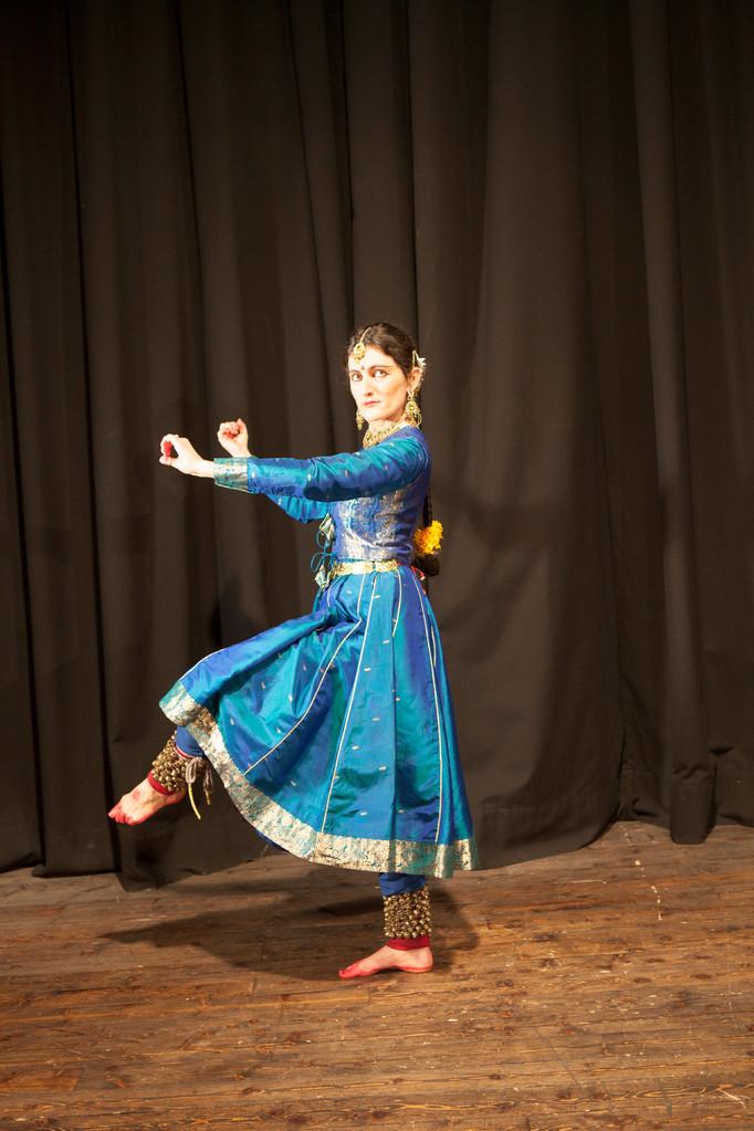 Foto 4 di Lisa Pellegrini durante la Danza Kathak