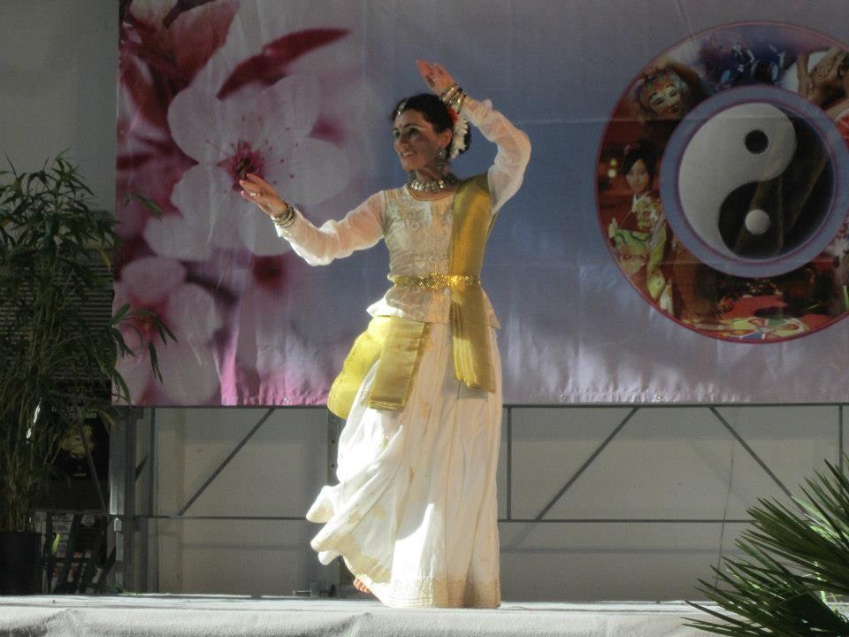 Foto 6 di Lisa Pellegrini durante la Danza Kathak