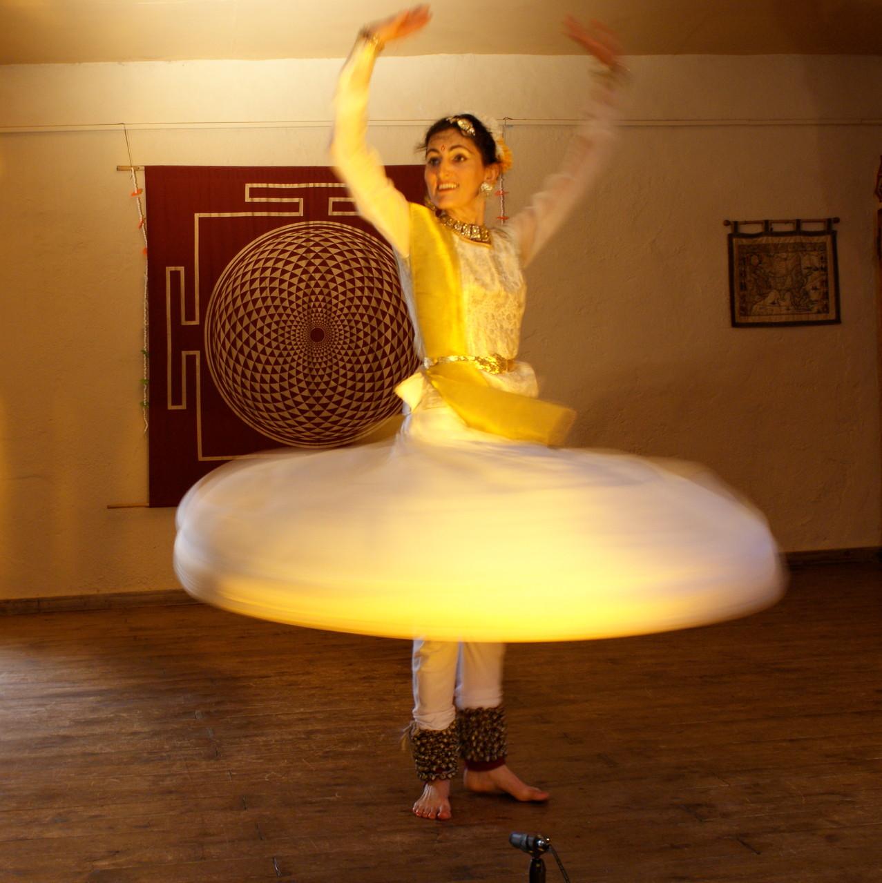 Foto 8 di Lisa Pellegrini durante la Danza Kathak